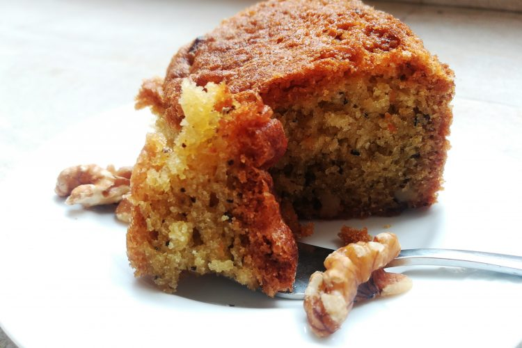 Easy walnut cake